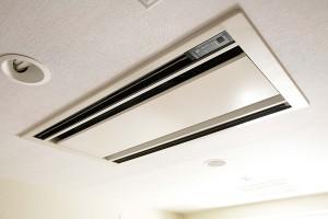 エアコン天井埋込タイプのクリーニング